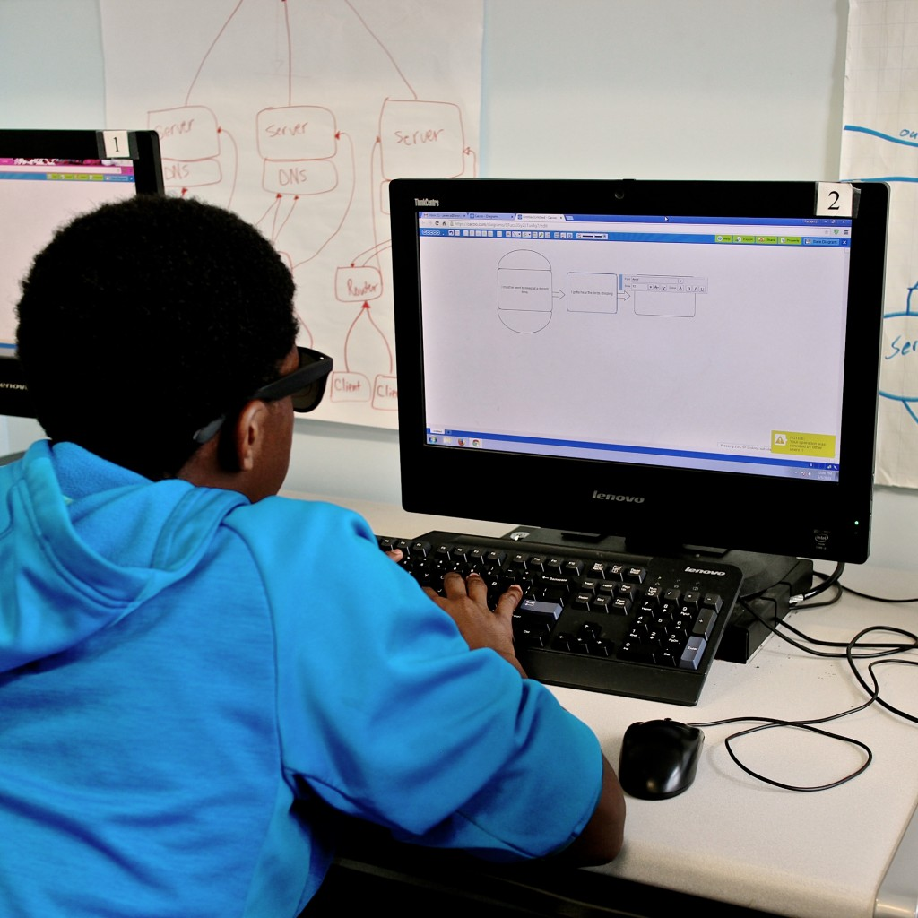 10th Computer Science student creating flowchat with Cacoo